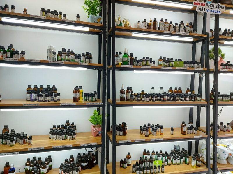 Cửa hàng trưng bày tinh dầu tại Hà Nội